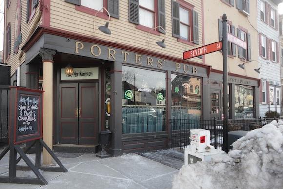 Porters' Pub in Easton